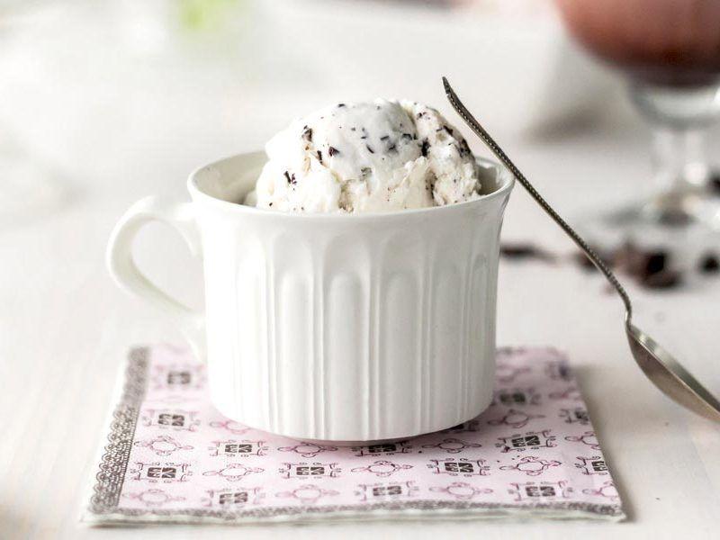 Stracciatella ice cream with Thermomix