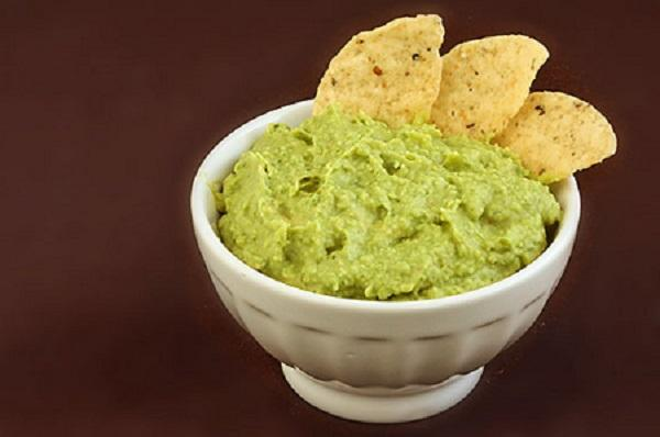 Avocado Hummus with the Thermomix