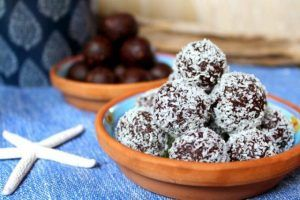 Vanilla and cashew nuts balls with the Thermomix