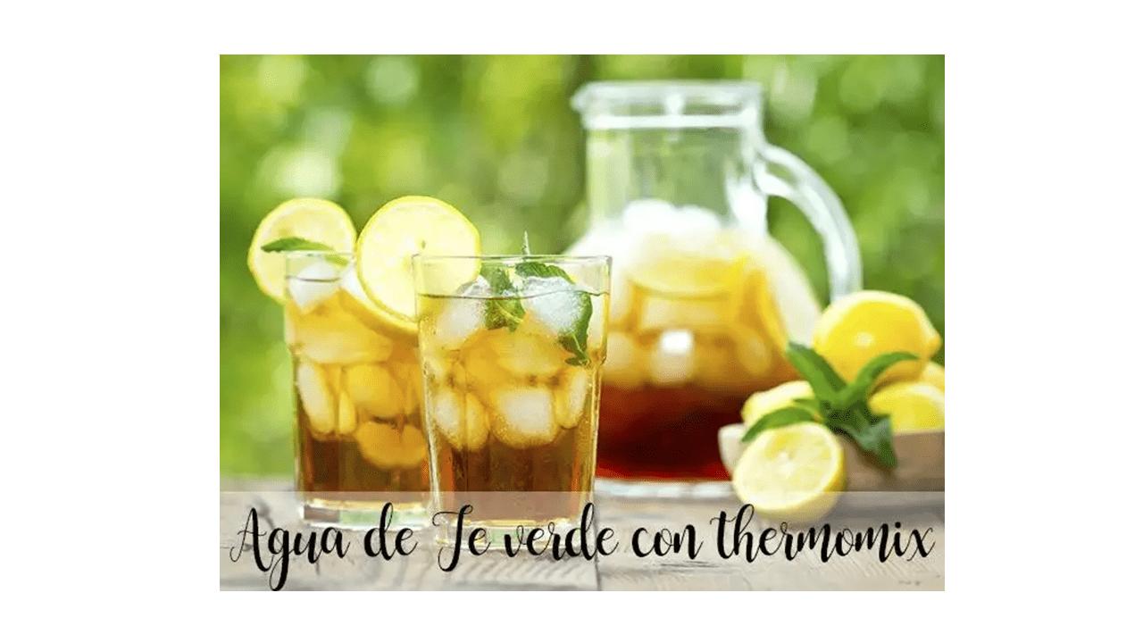 Woda z zielonej herbaty z thermomixem