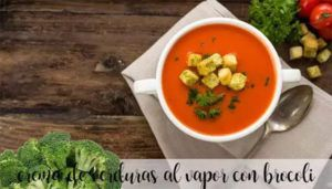 Steamed vegetable cream with broccoli with thermomix