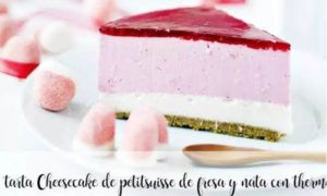 Cheesecake of strawberry and cream petitsuisse with thermomix