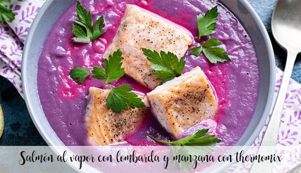 Steamed salmon with red cabbage and apple with thermomix