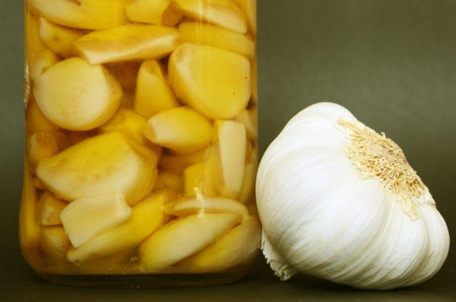 tricks for thermomix with garlic-confit garlic with thermomix
