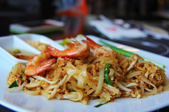 Today we prepare an exotic and healthy Pad Thai