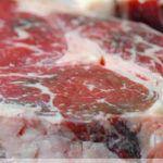 Sztuczka, aby podczas smażenia mięso nie wydzielało wody