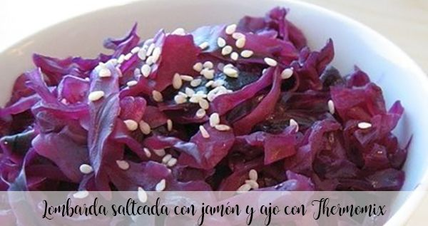 Red cabbage sautéed with ham and garlic with Thermomix